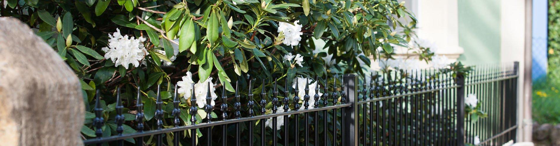 Gartenzäune aus Metall in anthrazit