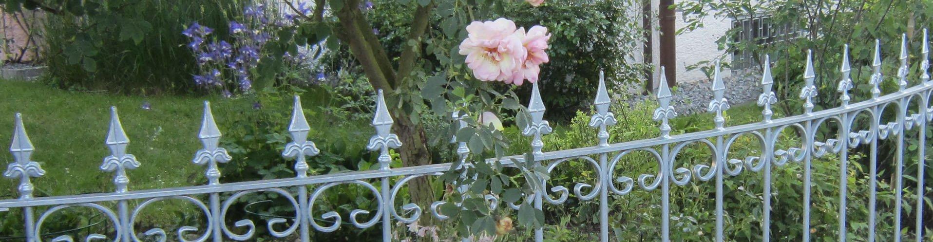Verzinkte Gartenzäune